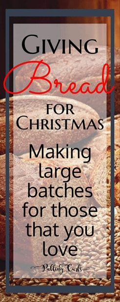 Giving bread for Christmas / baking / neighbor gifts / sharing / presents