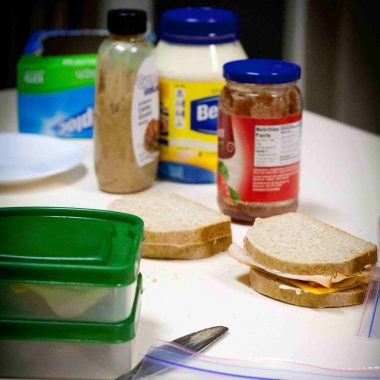 Making lunches can seem overwhelming. Here's 7 tips to letting go and letting your kids guide you!